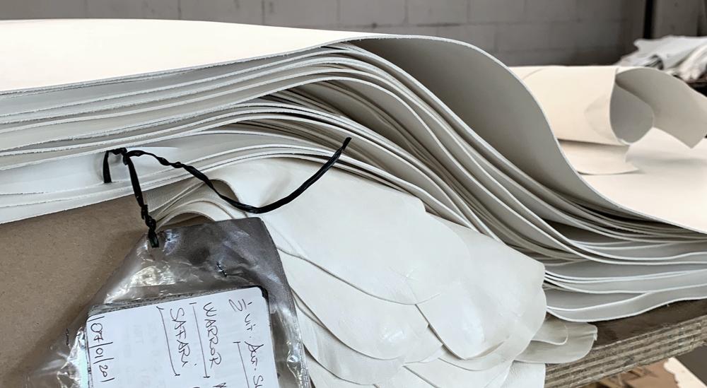 vera pelle concia bianca da utilizzare per le borse Liberty of Creation LoC reversibili tradformabili double face da costruire fai da te con le tue mani senza cuciture assemblare smontare trasformabile si acquistano solo online nel kit o già assemblate prodotto italiano made in italy sostenibile